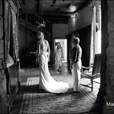 passage de la robe noir et blanc