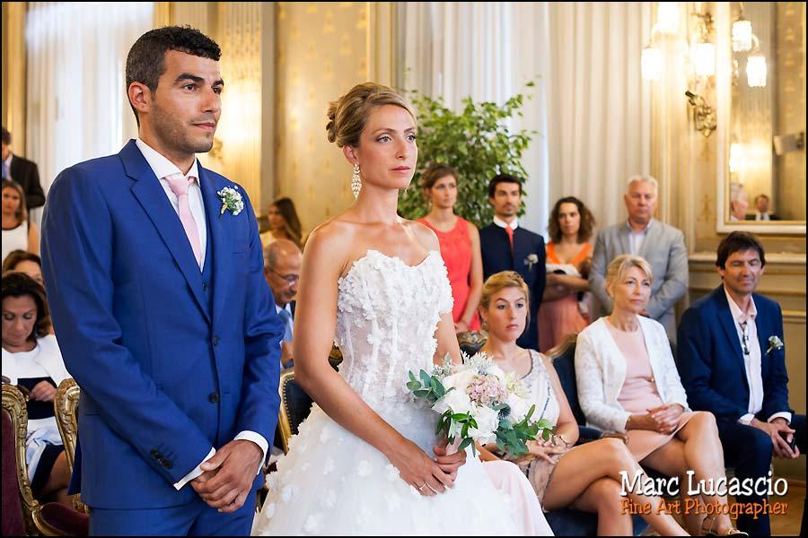 Devant le maire pour un mariage