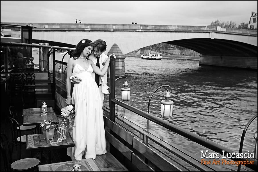 Photographe mariage à Paris sur la seine