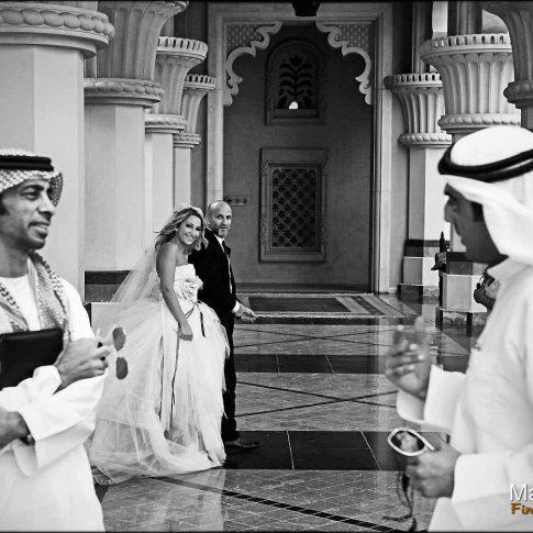 mariage à Dubaï avec 2 arabes en premier plan